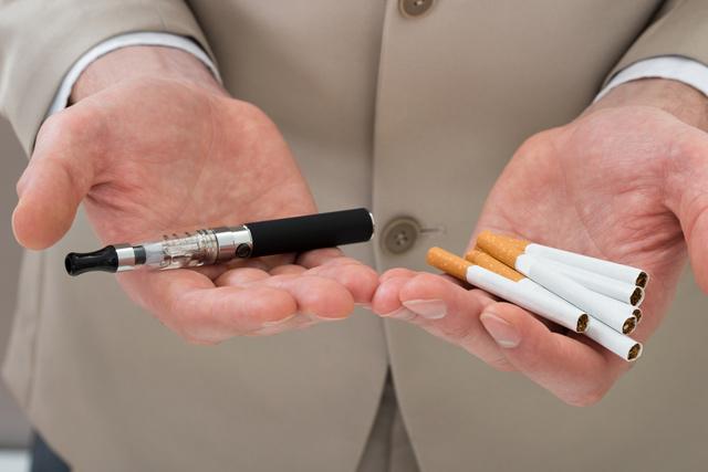 Какая сигарета вреднее электронная или обычная?